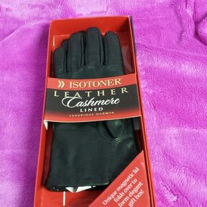 Isotoner leather gloves lined w/cashmere 7